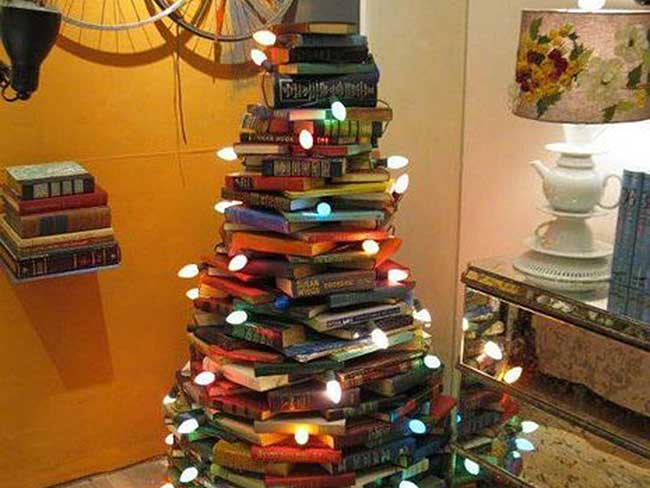 bibliophile-christmas-tree