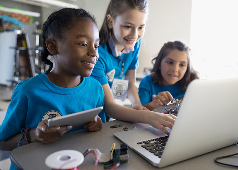 books-help-girls-see-themselves-as-engineers