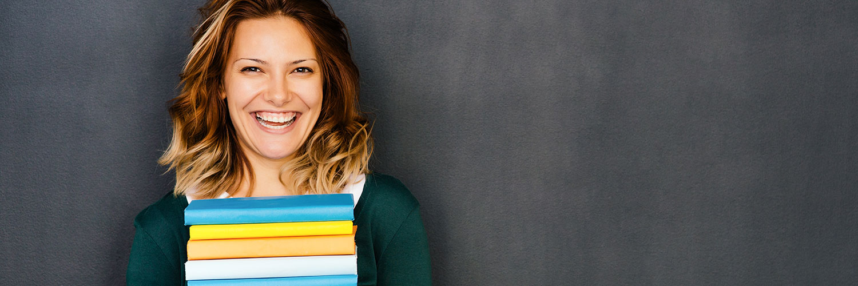 model-love-reading-in-classroom