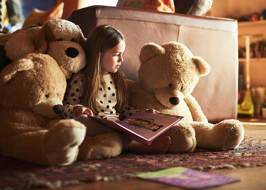 Why Pre-Readers Should Get to Enjoy Books Independently (And How to Help Them Learn to Do It)